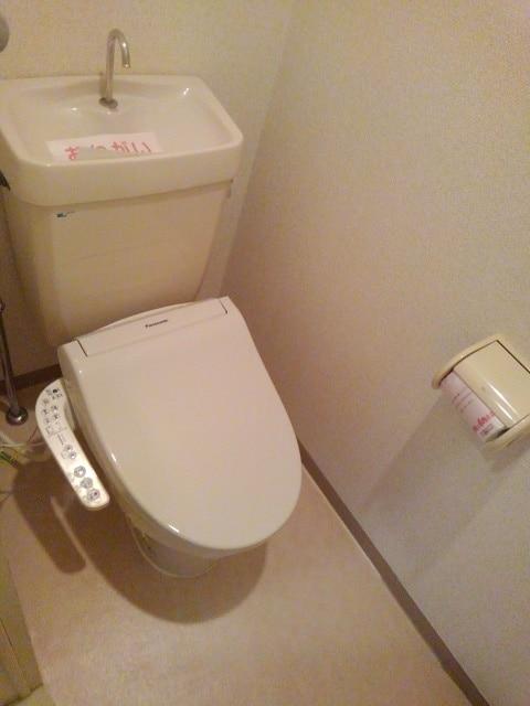 PRIVⅥ 02020号室のトイレ