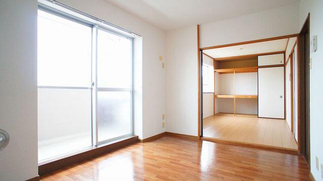 メゾンド長島 02040号室の居室