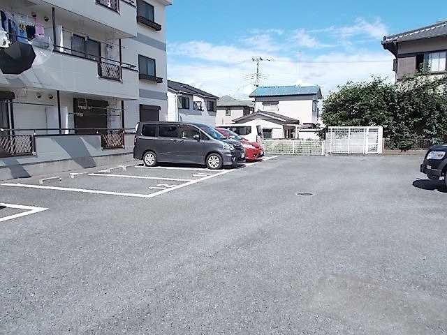 ニューエルディム伊藤A 01010号室の駐車場