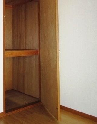 エルディム山田 02010号室の収納