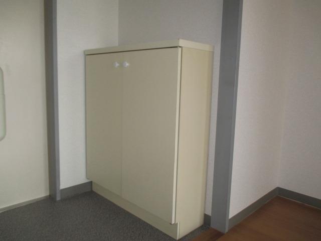 サンライフコート 02020号室の玄関