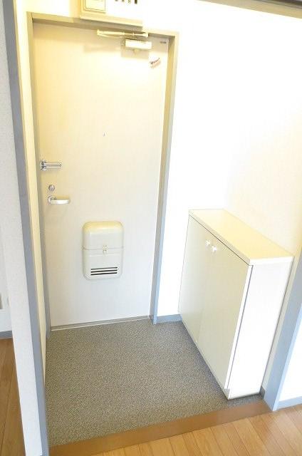 サンライフコート 02050号室の玄関