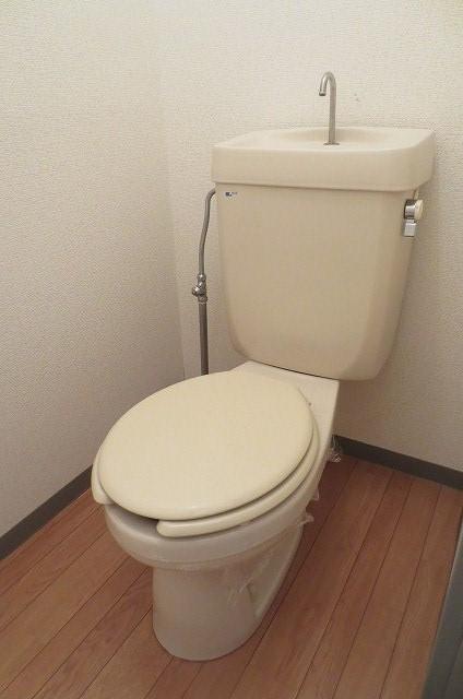 サンライフコート 02050号室のトイレ