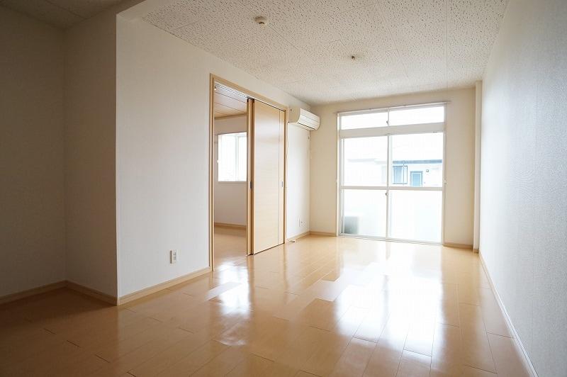 サンヒルズ小島 02030号室の居室