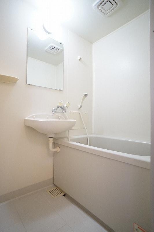 サンヒルズ小島 02030号室の風呂