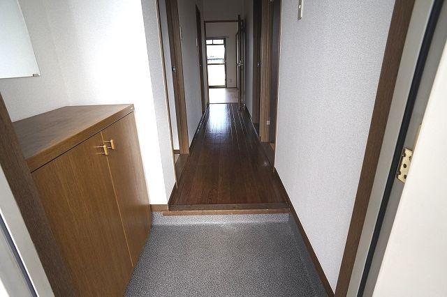 クレストヴィラヒヨシ 02020号室の玄関