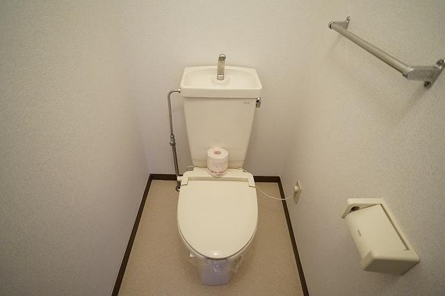 クレストヴィラヒヨシ 02020号室のトイレ