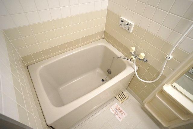クレストヴィラヒヨシ 02030号室の風呂