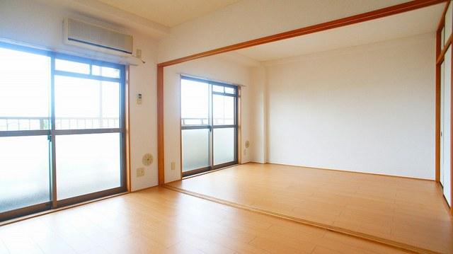 クレストヴィラヒヨシ 03020号室の居室