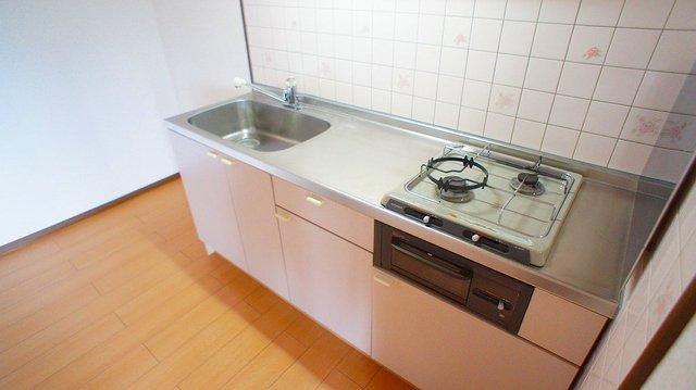 クレストヴィラヒヨシ 03020号室のキッチン