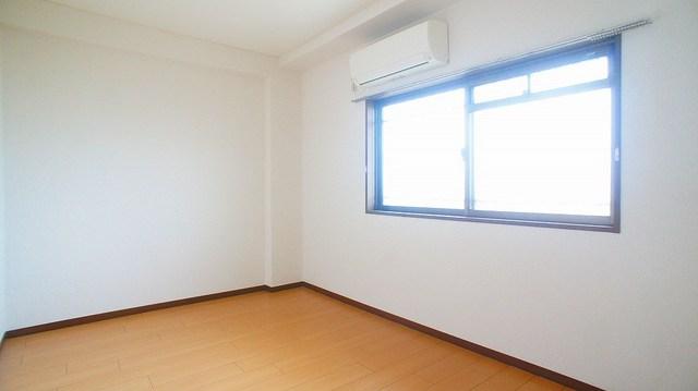 クレストヴィラヒヨシ 03030号室の居室
