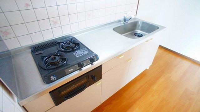 クレストヴィラヒヨシ 04040号室のキッチン