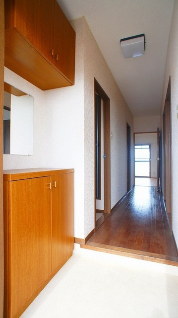 クレストヴィラヒヨシ 04040号室の玄関