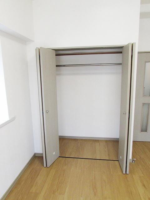エスポワール筥松 02040号室の収納