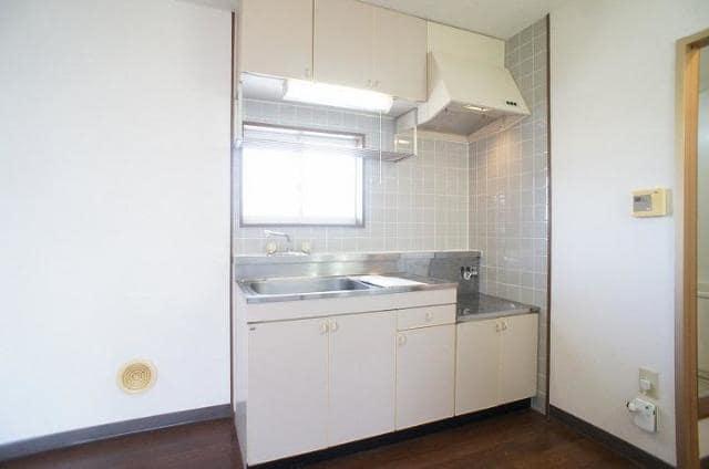 ハイ・マート六本木 02030号室のキッチン