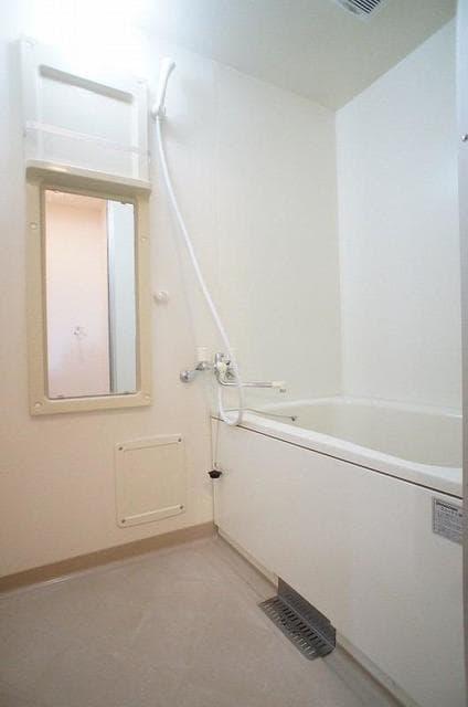 ハイ・マート六本木 02030号室の風呂