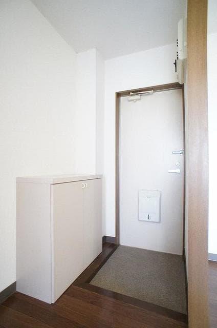ハイ・マート六本木 02030号室の玄関