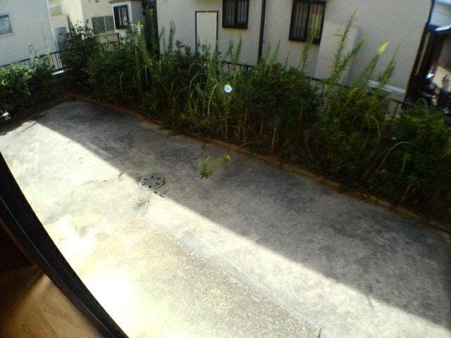 フローラ花見 01010号室の玄関