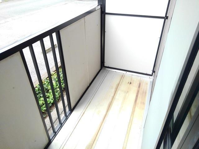 ドリームハイツA 01010号室のバルコニー