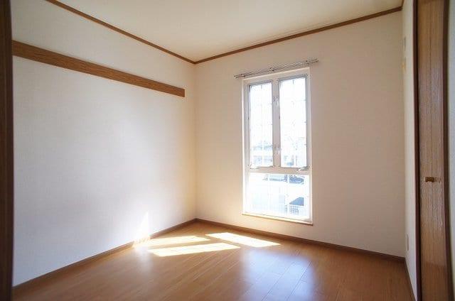 マノワールA 02010号室の居室