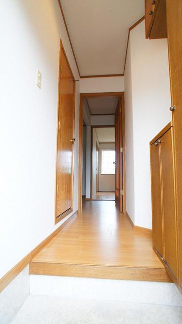ア.ラ.モ-ドハウス 01010号室のエントランス