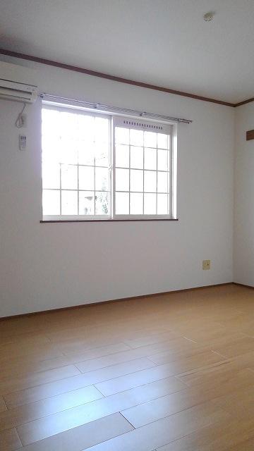 城タウンⅢ 01040号室の玄関