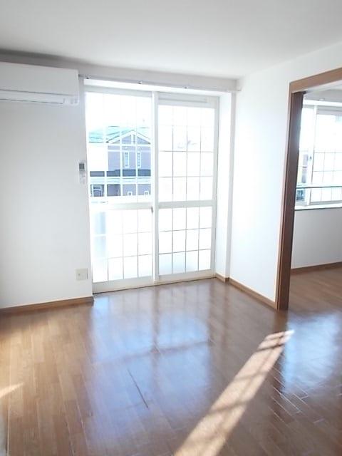 シャン・ド・フルールⅠ 02030号室の居室