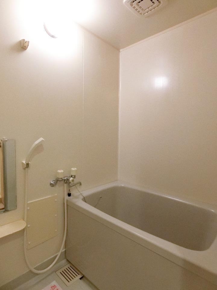 メイプル.ウエスト 01040号室の風呂