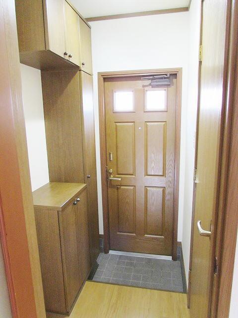 メゾン・ド・ステラB 01010号室の玄関