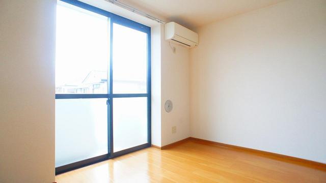 コーポラスⅥ. 02010号室の居室