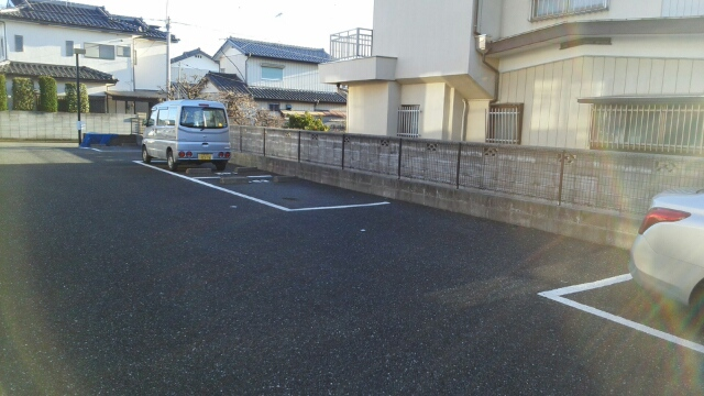 コーポラスⅥ. 02010号室の駐車場