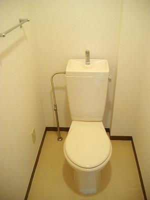 サニーコ-ト 03020号室のトイレ