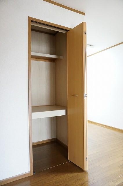 クルーセ・K 01010号室の玄関