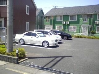 パ-クサイドC 01020号室の駐車場