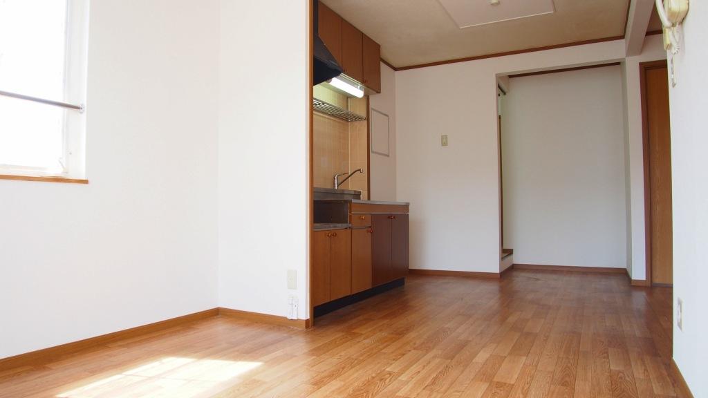 クレストハイツ 02030号室のリビング