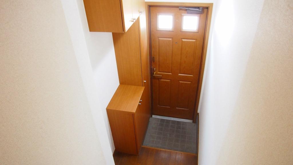 クレストハイツ 02030号室の玄関