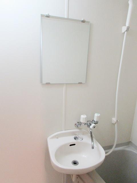 グレイスシャトル 02020号室の洗面所