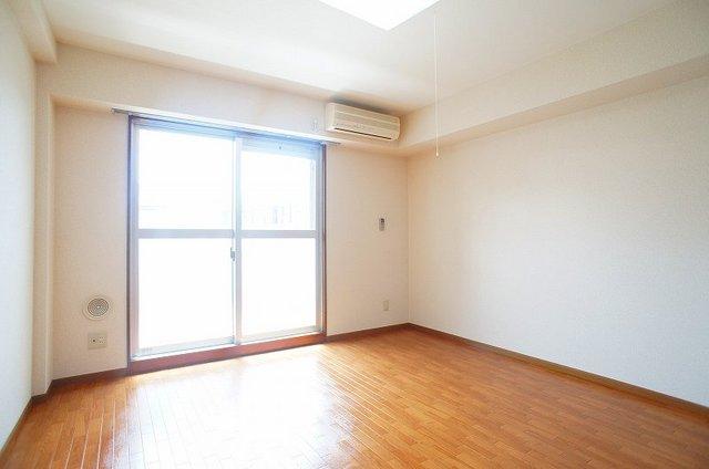 フレール与野本町 01030号室の居室