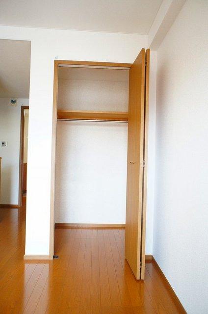 フレール与野本町 01030号室の収納
