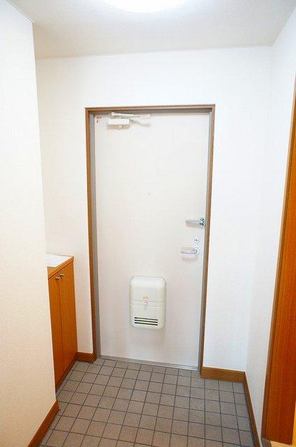 フレール与野本町 01030号室の玄関