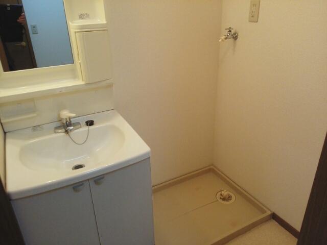 フレール与野本町 01040号室の洗面所