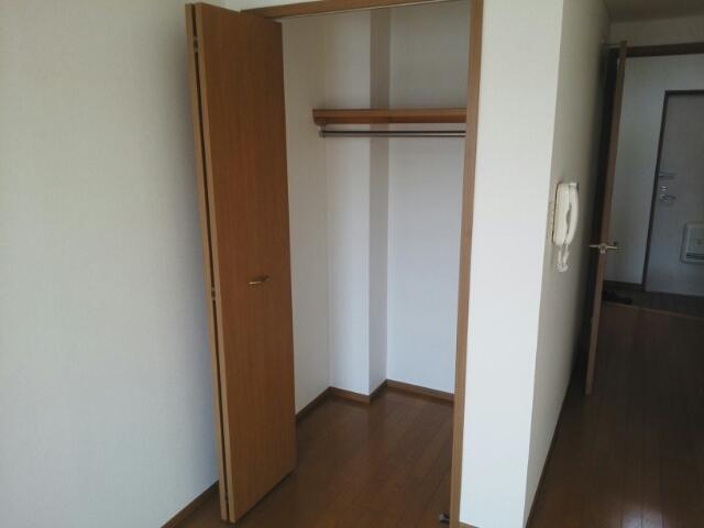 フレール与野本町 01040号室の収納
