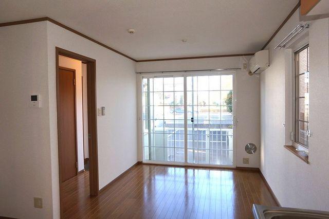 スリーゼ 01010号室の居室