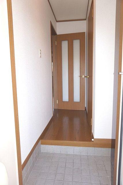 スリーゼ 01010号室の玄関