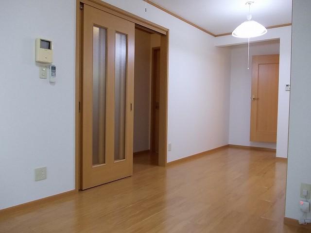アルカンシェルコート 02020号室のリビング