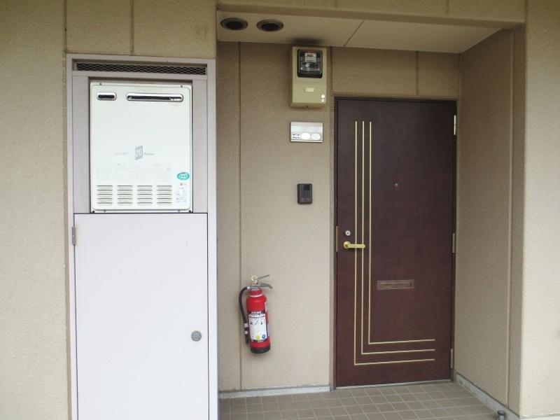 ラ・フォ-レ・フォンテ-ヌ 01020号室の玄関