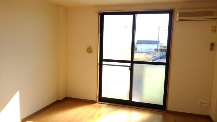 コーポ・アンソレイエ 02020号室の居室
