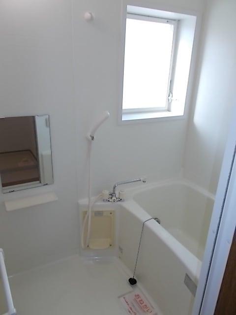 サンローレルⅡ 01020号室の風呂