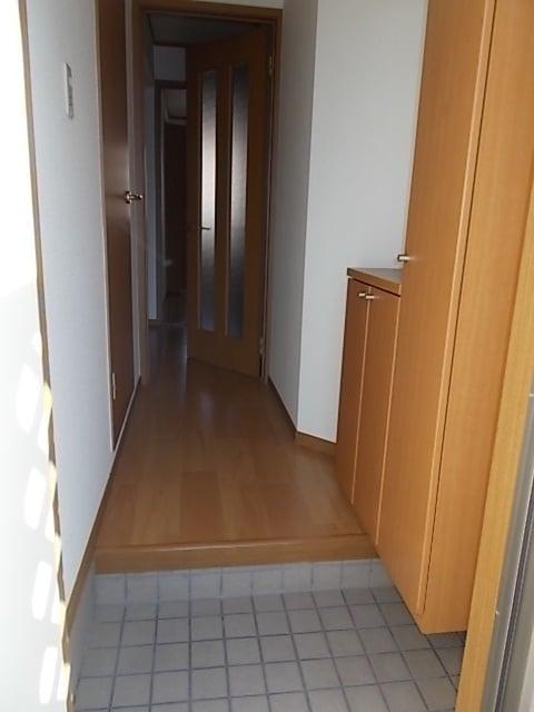 サンローレルⅡ 01020号室の玄関