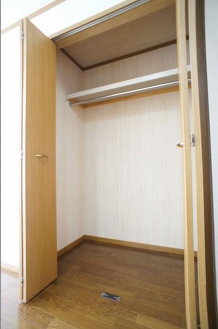 クリスタルバレー 01010号室の収納
